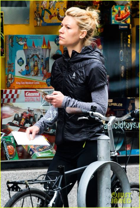 claire danes workout claire danes continues her workout streak in the big apple