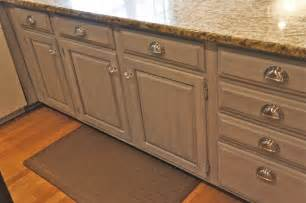 How To Paint Kitchen Cabinets Gray Soft Grey Painted Cabinets Traditional Kitchen