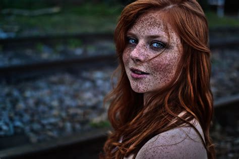 red headed woman freckles a normal girl who isn t an actress with freckles pics