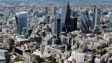 banche di londra le banche d affari in fuga dalla city londra perde l