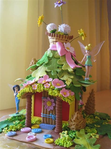 tinkerbell haus tinkerbell house the leaf roof children s cakes