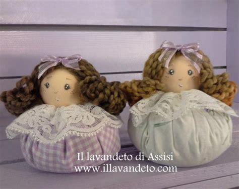 sacchetti porta lavanda bambole di lavanda sacchetti con lavanda foto di il