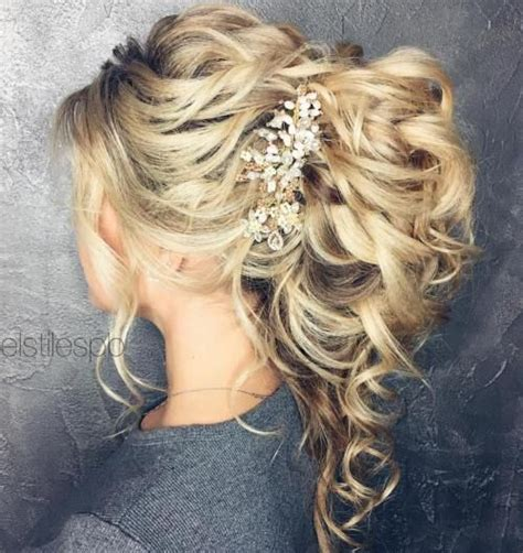 Wedding Hair And Curly by Best 25 Curly Ponytail Ideas On Curly