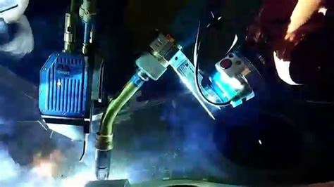 Robots Without Lasers multipass robot welding with laser seam tracking