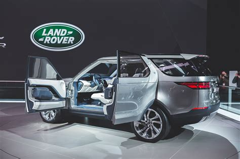 land rover lr4 inside the all land rover discovery 2015 2016 review
