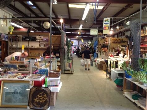 amazing florida flea markets youll   explore