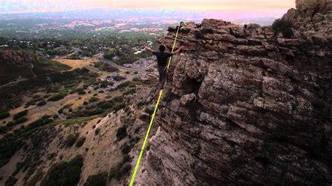 slackline ständer slacklining come camminare sospesi su una corda