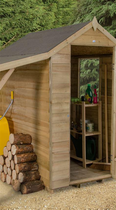 storage shed  lean   storing logs  furniture