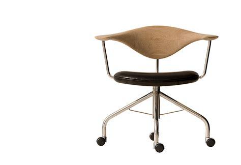 hans wegner swivel chair pp502 swivel chair designed by hans wegner twentytwentyone