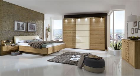schlafzimmer komplett eiche schlafzimmer komplett in eiche teilmassiv mit schwebebett