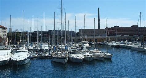 il porto savone le port de savone ligurie italie ligure marina
