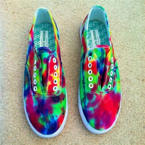 tie dye shoes diy diy tye dye shoes crafty ideas