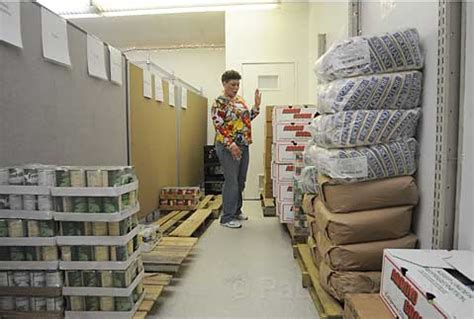 Catholic Charities Food Pantry by Pantries Food St Programs See Rise In Clients