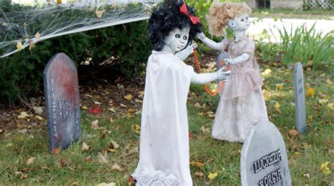 diy creepy halloween decorations diy halloween decorations soap deli news