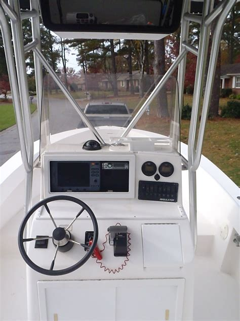boat with no bottom paint regulator 21 2002 with trailer no bottom paint the hull