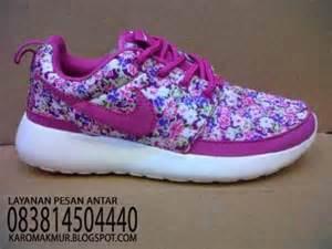 Sepatu Nike 5 0 Flower karomakmur sport sepatu running nike roshe run