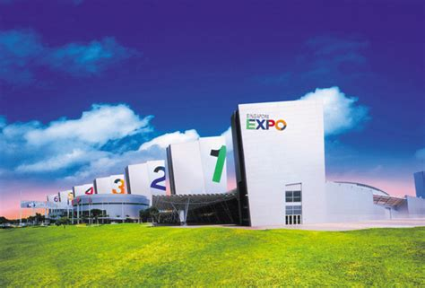 singapore expo foyer 1 18 27 apr 2014 the big furniture expo fair at singapore