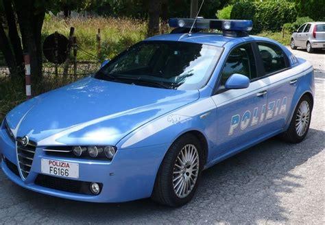 volante della polizia stalker 46enne fermato dagli agenti di polizia di bitonto