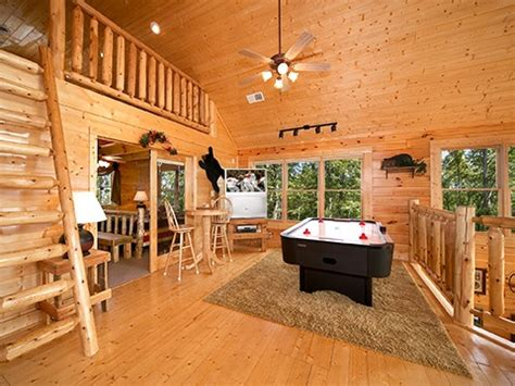 Dipping Cabin Pigeon Forge by Inside Dreams Pigeon Forge Cabins Tennessee