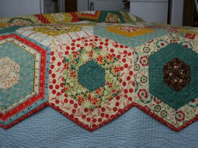 merry go round quilter s how to workshop the quilting company simple hexagons make this merry go round quilt quilting