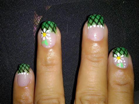 imagenes decorados de uñas con flores uas decoradas con flores de puntos uas flores t