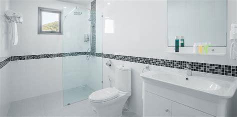 Discount Bathroom Tiles ? Buy Modern White Bathroom Tiles