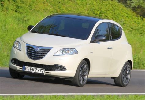 lancia ypsilon kleinwagen tests autoplenum at