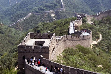 great wall badaling section beijing caravantravel