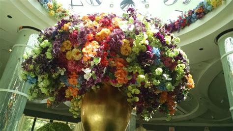 the amazing flower arrangements were created by florist in the amazing flower arrangements photos life style by