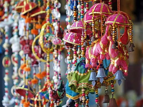 top  street shopping places  india