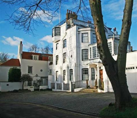hampstead  discover londons hilltop village