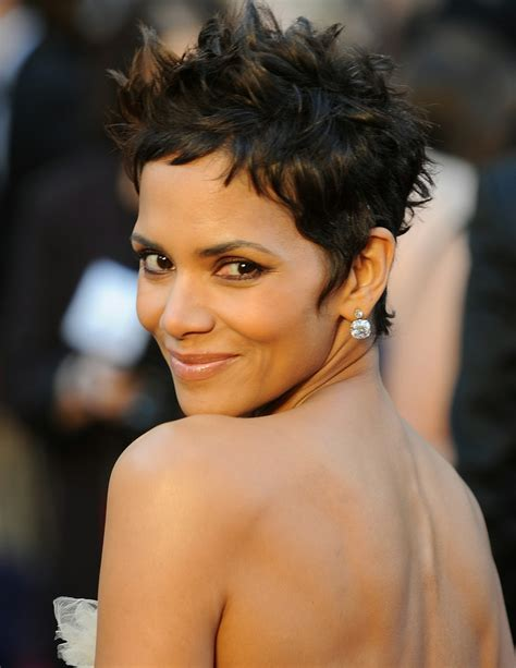 Halle Berry Obviously Not by Injured Halle Berry Will Not Attend Academy Awards Today