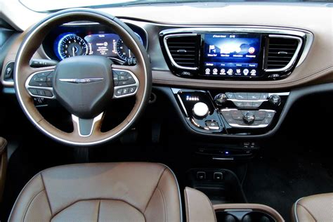 Chrysler Pacifica Interior by 2017 Chrysler Pacifica Look 2017 2018 Best