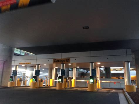 24 Hour Parking Garage San Francisco by Sfo International Garage A Parking In Millbrae Parkme