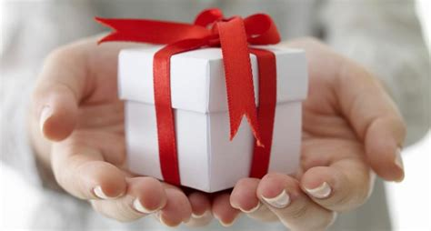 what is d best gift to gift d husband on anniversary top ten most expensive presents gohenry