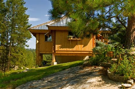 Manns Cottages by Quietude