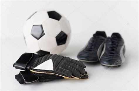 foto guanti da portiere primi piani di guanti da portiere palla scarpe da calcio
