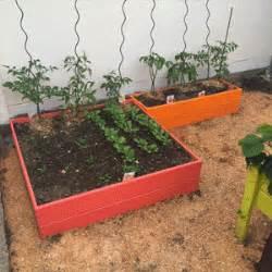 carr 233 potager en bois de couleur pour jardiner en ville