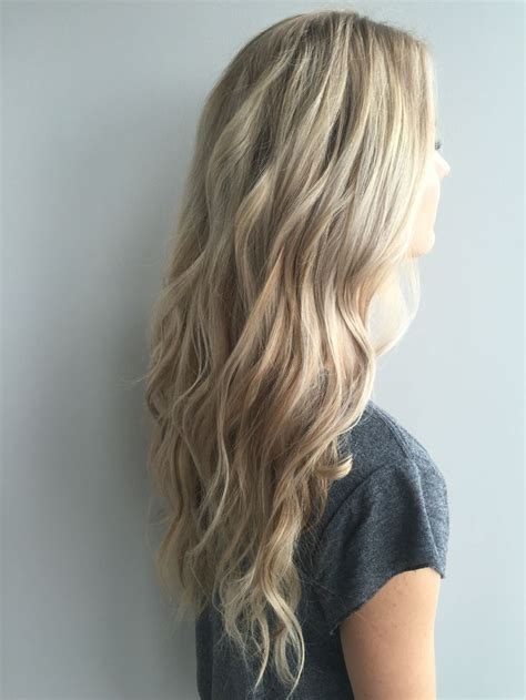 dimensional hair cuts pics long blonde hairstyles dimensional blonde dirty blonde