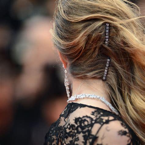 one hairstyle woren different ways different ways to wear a hair clip popsugar beauty australia