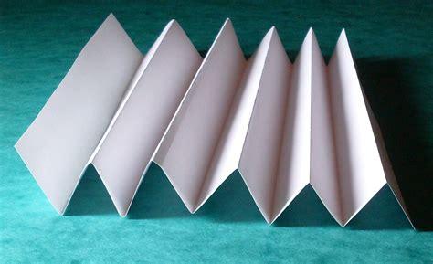 Simple Paper Folding Techniques - structural mechanics in biomimetics blogionik