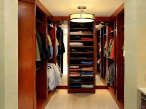 Walk In Wardrobe In Small Space by Small Walk In Closet Layouts Studio Design Gallery