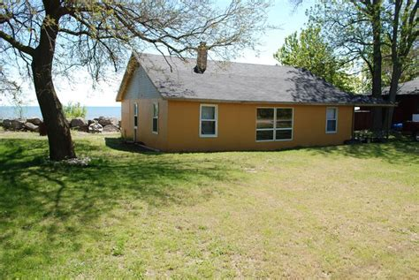 Cottage Rentals Pelee Island by Cottage Discover Pelee Island