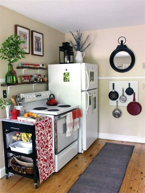 25 best ideas about small apartment kitchen on