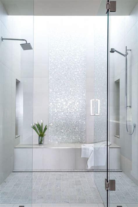 piastrelle mosaico per doccia 17 migliori idee su piastrelle per doccia su