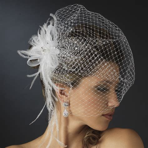 Feather Wedding Veil the key to picking the bridal headpieces