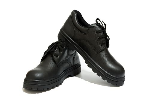 safety shoes reviewed rated   nicershoes