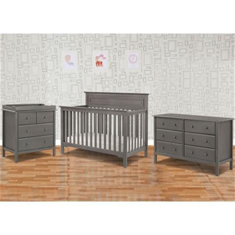 Davinci Autumn 4 In 1 Convertible Crib Davinci 3 Nursery Set Autumn 4 In 1 Convertible Crib Changer And 6 Drawer