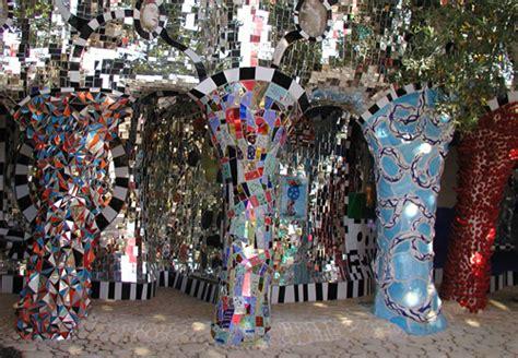 giardini dei tarocchi orari a capalbio un parco eccentrico portato dall artista