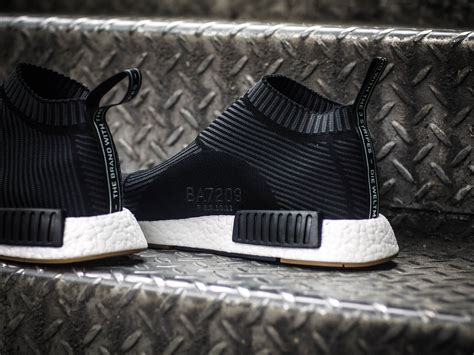 Sepatu Casual Trendy Sporty Adidas Nmd 3 Stripes the adidas nmd city sock gum pack the r2 make a pretty